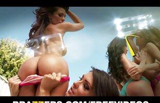 ორი გოგონა spray rooster დედის უფასო შიშველი ფოტო რძეში და შემდეგ შეწოვის.