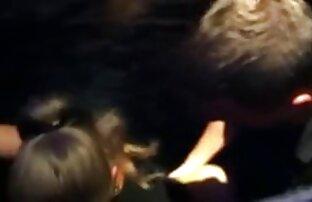საჯარო მოწიფული ცოლი შიშველი აბაზანა, ისინი გარეცხილი ორი გოგონა შემდეგ აღმოჩნდა მათი ფარული კამერები.